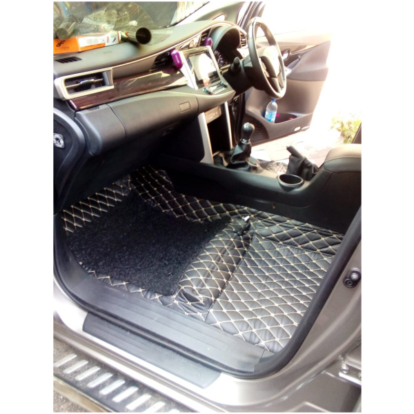 Custom Fit 9D Artificial Leather Full Matting/Carpet Lamination with detachable Grass mats- 5 seater